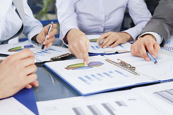 Xác định khách hàng mục tiêu, thị phần mục tiêu